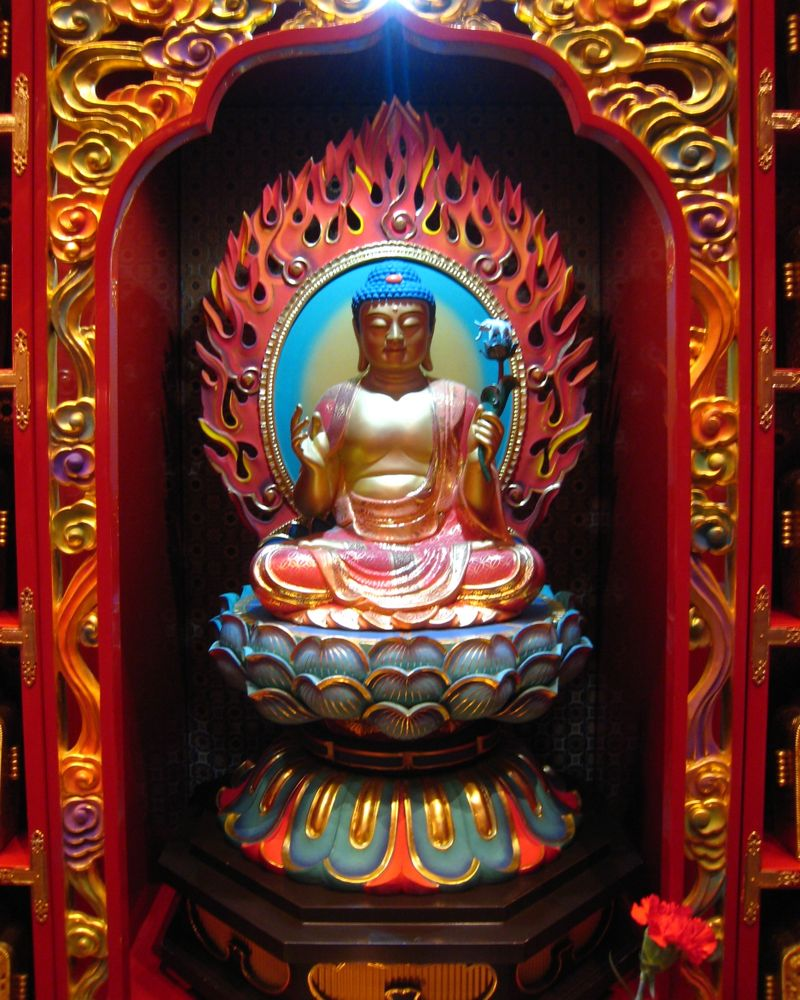 Singapore Buddha Tooth Relic Temple sculpture