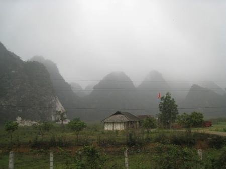 Tuyen_quang_mountains_2