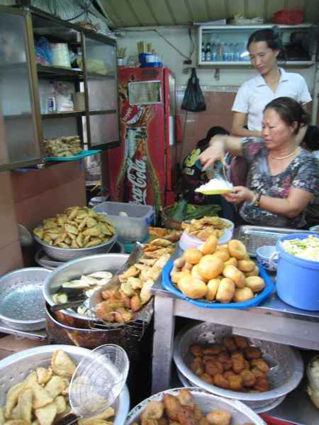 Hanoi_food_stall_2