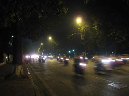 Hanoi_going_for_a_walk