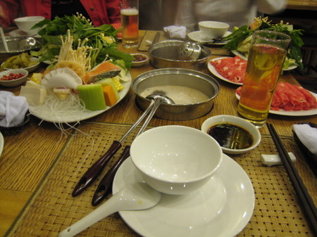 Hanoi_hot_pot_restaurant_plate_3
