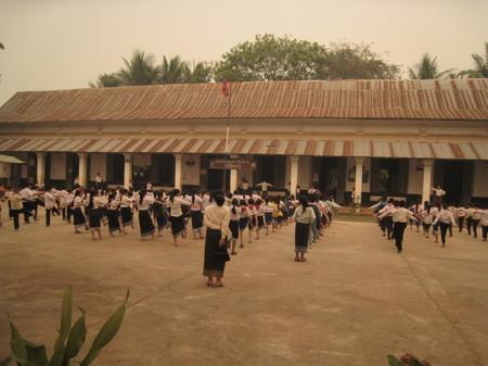 Luang_prabang_school_gymnastics