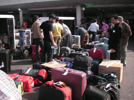Delhi_airport_baggage_check