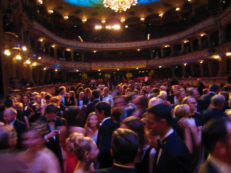 Dancing_at_opernball_zrich_2008