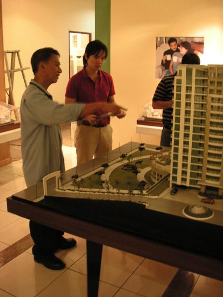 Manila_condo_visits_darwin_sales_guy