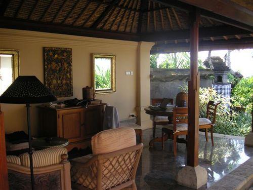 Bali_villa_veranda_2