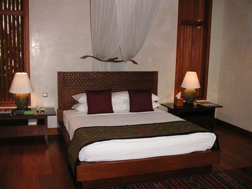 Sayan_villa_bedroom