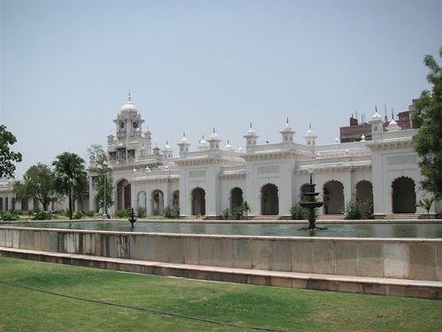 Hyderabad_chowmahalla_courtyard_2